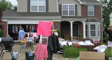 8 Garage Sale Tips and Tricks